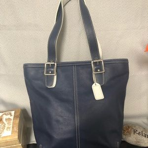 COACH Hamptons Tote Navy Blue & White 9572